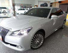 NEW TOYOTA CROWN MAJESTA FOUR HYBRID 2.5 2017