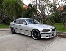 1996 BMW 318i SE sedan
