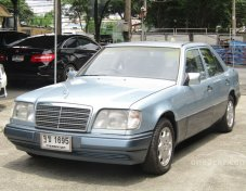 Mercedes-Benz E220 1995 sedan
