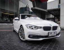 BMW 330e Luxury CBU Plug in Hybrid ปี 2017