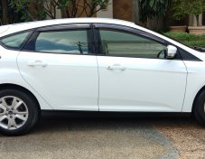 Ford focus 1.6 ปี 2012