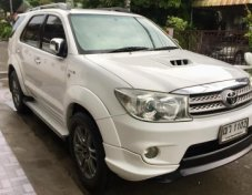 2009 Toyota Fortuner suv