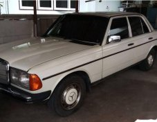 ขายด่วน! MERCEDES-BENZ 230E รถเก๋ง 4 ประตู ที่ กรุงเทพมหานคร