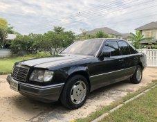 1993 Mercedes-Benz E220