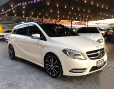 2012 Mercedes-Benz B180 Sports mpv