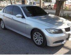 BMW 320i SE รถเก๋ง 4 ประตู ราคาที่ดี