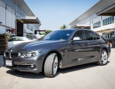 2016 BMW 320D Luxury  รถสภาพสวยมากๆ ดูแลศูนย์ตลอด