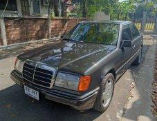 1991 Mercedes-Benz 300E Classic sedan ร