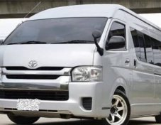 2011 Toyota COMMUTER STD van