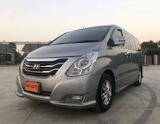 2013 Hyundai H1 deluxe รุ่น 11 ที่นั่ง