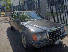 MERCEDES-BENZ 300E Classic รถเก๋ง 4 ประตู ราคาที่ดี