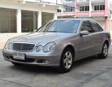2004 Mercedes-Benz E220 Executive sedan