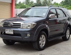 2005 Toyota Fortuner V 4WD suv