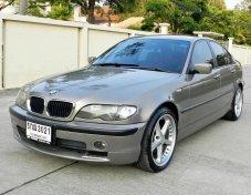 2004 BMW 318i sedan