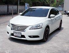 Nissan Sylphy 1.6 V ปี13 สีขาว รถมือเดียวดูมีเสน่ห์ไม่แก็สภายในสวยนั่งสบายขับดีสมบูรณ์พร้อมใช้งาน