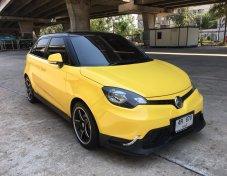 MG-3 1.5X Sunroof ปี 2017 สีเหลือง รถมือเดียวออกห้าง เอกสารครบ สภาพนางฟ้า