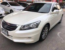 รถปี2011 Honda accord2.4el สีขาว