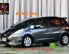 2011 Honda JAZZ 1.5 V hatchback ออกรถฟรีดาวน์กลับบ้าน