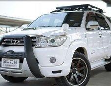 2010 Toyota Fortuner V 4WD suv