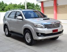 Toyota Fortuner 3.0 (ปี 2012) V SUV AT ราคาพิเศษ 799,000 บาท