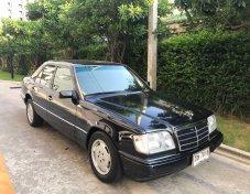 1994 Mercedes-Benz E220