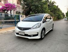 2014 Honda JAZZ SV hatchback