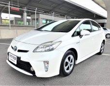 Toyota Prius ปี 2013