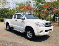 มีเครดิตหรือไม่มีเครดิตก็ฟรีดาวน์ได้เลย  รายได้เกิน 15,000 บาท ขึ้นไปไม่ต้องมีคนค้ำ  Toyota Vigo Smart Cab 2.5 E Prerunner