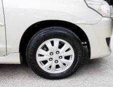 2012 Toyota Innova G van