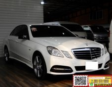 Benz E250 CGI BlueEFFICIENCY 1.8 W212 Avantgarde Sedan AT 2012