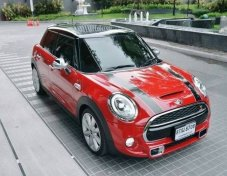 MINI Cooper S Hatch 5 Door Hightrim with glass roof ปี 2016