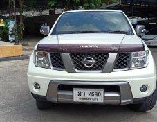2012 Nissan Frontier Navara LE Calibre pickup
