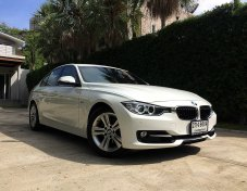 2013 BMW 320i Sport Saloon