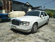 Benz W124 200E สีขาว