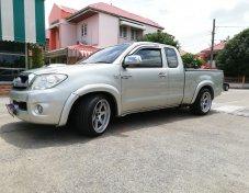2011 Toyota Hilux Vigo E pickup
