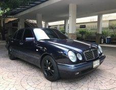 1998 Mercedes-Benz E230 Avantgarde sedan