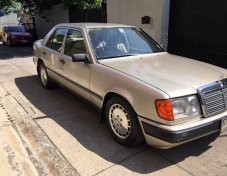 1999 Mercedes-Benz 230E Classic sedan