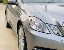 2011 Mercedes-Benz E200 CGI Avantgarde sedan