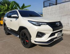 2017 Toyota Fortuner 2.8 TRD Sportivo 4WD suv