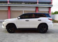 2017 Toyota Fortuner TRD suv