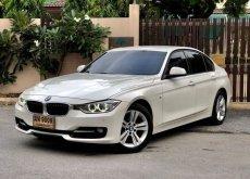 BMW 320i Sport เบาะแดงโฉม F30 ปี 2015
