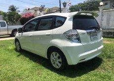 รถเก๋ง 4 ประตู Honda Jazz Jazz hybrid ปี 2013