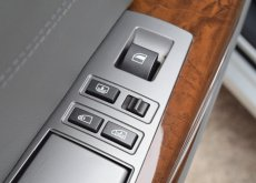 2006 BMW 750Li 4.0 E66 sedan AT