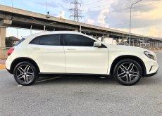 2015 Mercedes-Benz GLA200 Urban hatchback