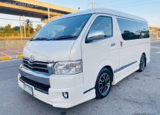 TOYOTA Ventury 3.0 V Top AT ปี2014