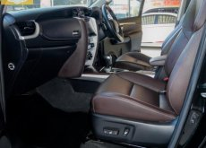 2018 Toyota Fortuner 2.4 V 4WD SUV