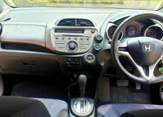 2009 Honda JAZZ 1.5 SV รถเก๋ง 5 ประตู รถมือสองราคาดี
