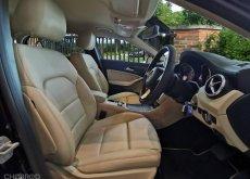 BENZ GLA 200  ปี 16 รถออกศูนย์เบนซ์ สภาพสวยน่าใช้