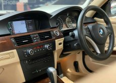 2010 BMW 320i M Sport รถเก๋ง 4 ประตู