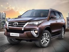 ว่ายังไงกับดีไซน์ใหม่ใน Toyota Foruner 2018